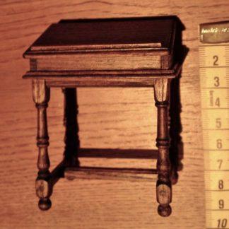 Mittelalterliches Schreibpult. Eiche.