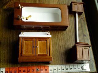 Badezimmer-Möbel viktorianisch). Holz/Kunststoff. Reduziert.