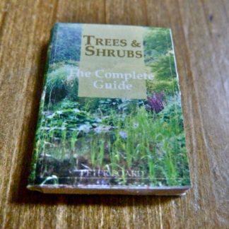 Ratgeber (Bäume und Sträucher). Seiten unbedruckt.