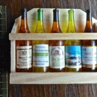 Kleines Weinregal. Holz/Kunststoff. Massst. 1 : 10.
