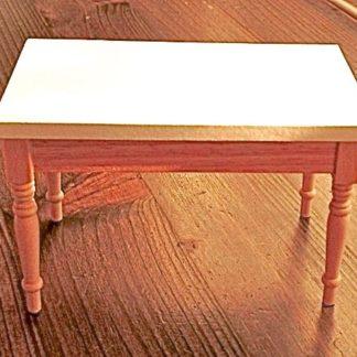 Tisch (Tischblatt weiss bemalt/Eiche).