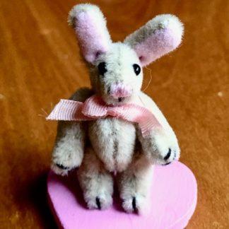 Miniatur-Hase (Fluff-Beige). Samt.