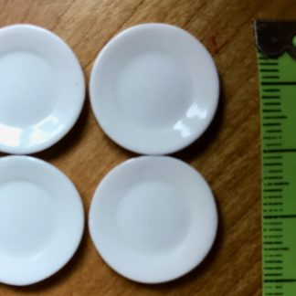4 Porzellanteller (weiss, mittel).