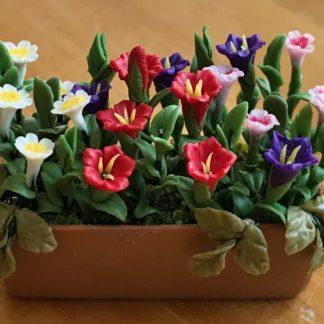 Blumenkistchen (bunte Blüten). Handarbeit.